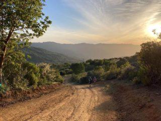 🌄😍Beautiful sunset at Sierra Azul Open Space Preserve south of San José, captured by @ridgetrail2021  @midpenopenspace  #bayarearidgetrail #trails #outdoors #nature #hiking #biking #equestrian #bayarea